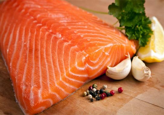 Cá hồi thực phẩm cho thoái hóa khớp