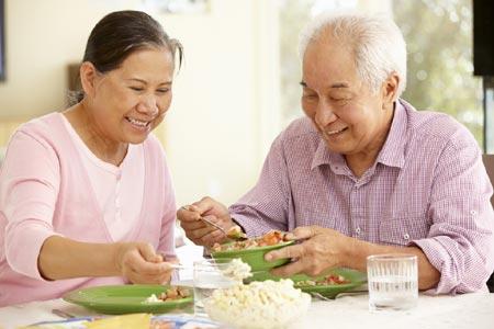 Người cao tuổi: Ăn thế nào cho hợp lý?